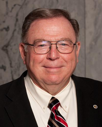 Head and shoulders image of Ken Kraudy